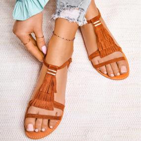 sandales-camel-à-frange-2