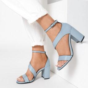 Sandales bleues à talon et bride épaisse Diane