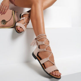 Sandales plates à lacets en suedine nude Johan-2