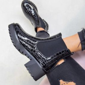 Bottines-noires-vernis-effet-croco-Courtney
