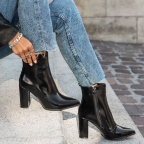 Bottines-noires-vernies-à-talon-Debbie