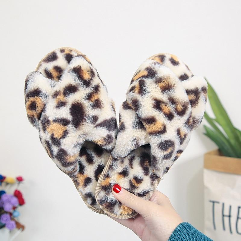 Pantoufles chaudes d'hiver en fausse fourrure pour femme, chaussures chaudes de Style léopard pour femme, pantoufle de sol d'intérieur et bout ouvert, diaporamas mode pour la maison, SH444