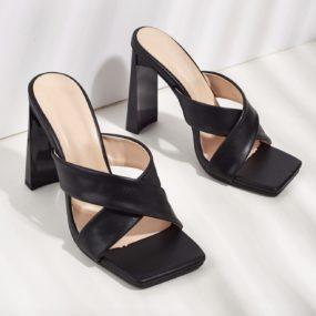 Sandales-à-talon-épais-et-brides-croisées-Daniela