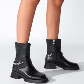 Boots-noires-à-chaine-Billie-4